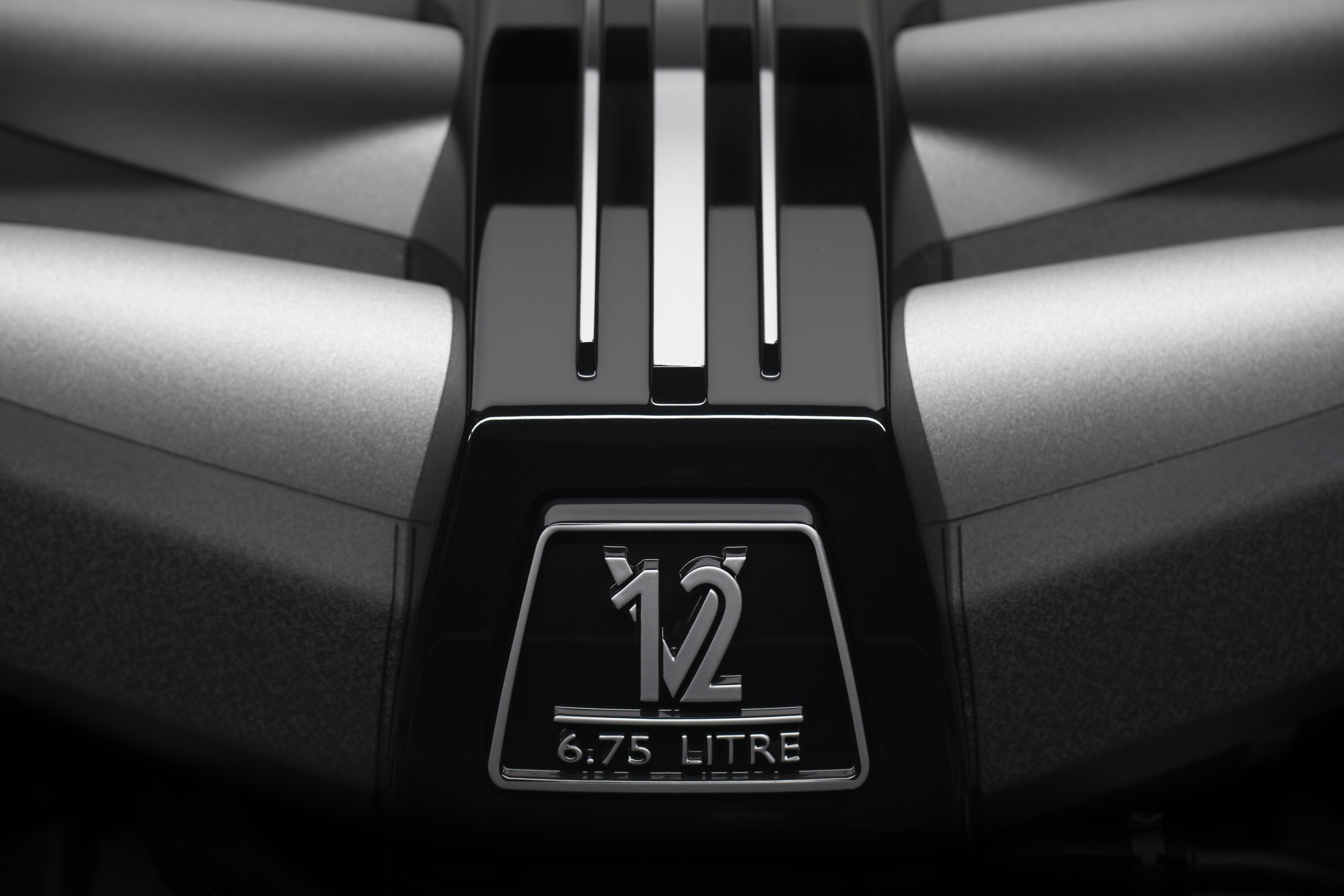 【新闻图片】劳斯莱斯库里南V12发动机